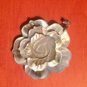 Jewelry - Carved Shell Pendant❤️ 2 for $10 ❤️